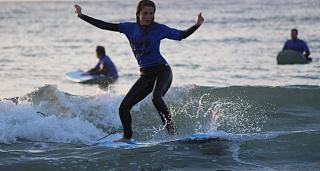 Clases de surf en la playa de Caion