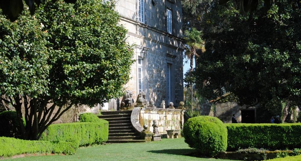 Escapada Enológica y Pazos de Galicia. La ruta de la Camelia (3 días/2 noches o 4 días/3 noches)