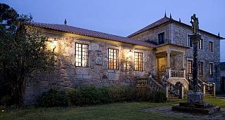 Escapada Enológica y Pazos de Galicia. La ruta de la Camelia