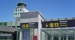 Private transfer from Santiago de Compostela Airport to city center